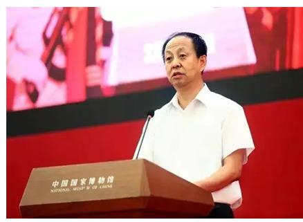 北京工美集团党委副书记、总经理魏连伟致辞