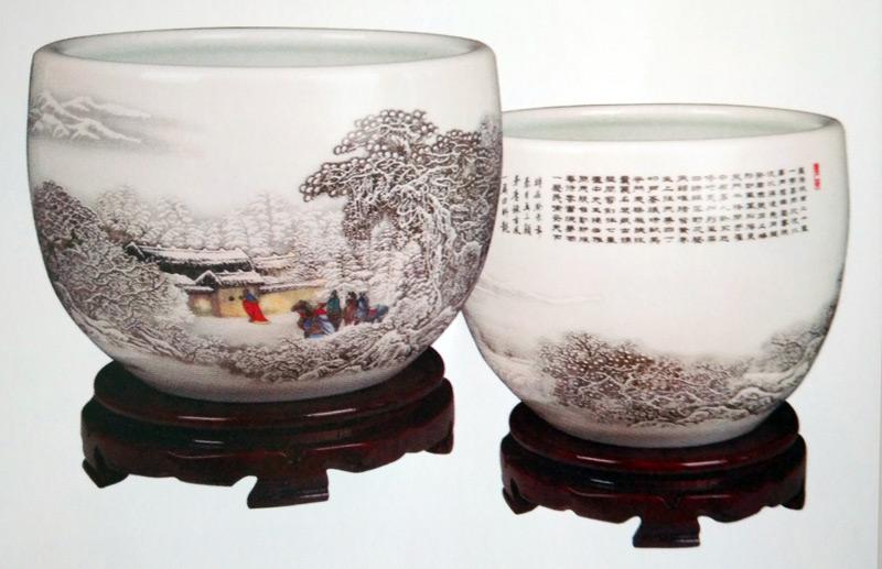 三顾茅庐粉彩雪景大师珍藏缸正背面图案