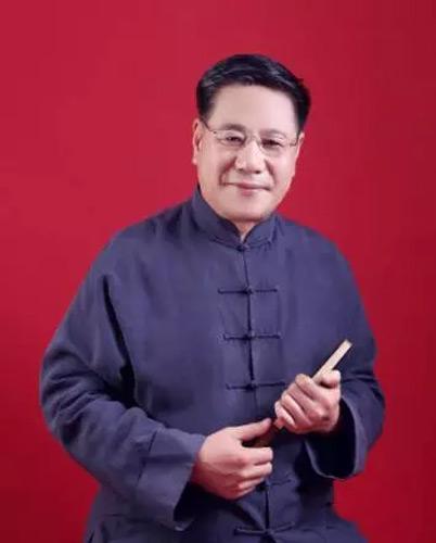画家张国祥