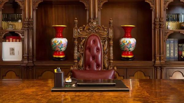 瓷器红色岁月领袖尊