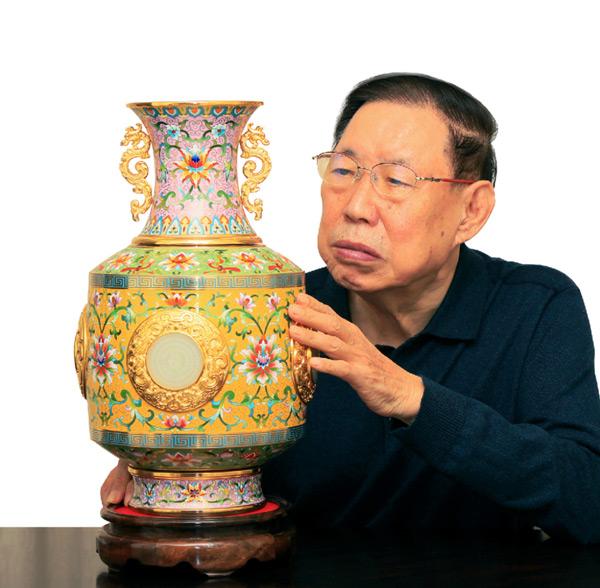 百年复兴报喜瓶作者张同禄
